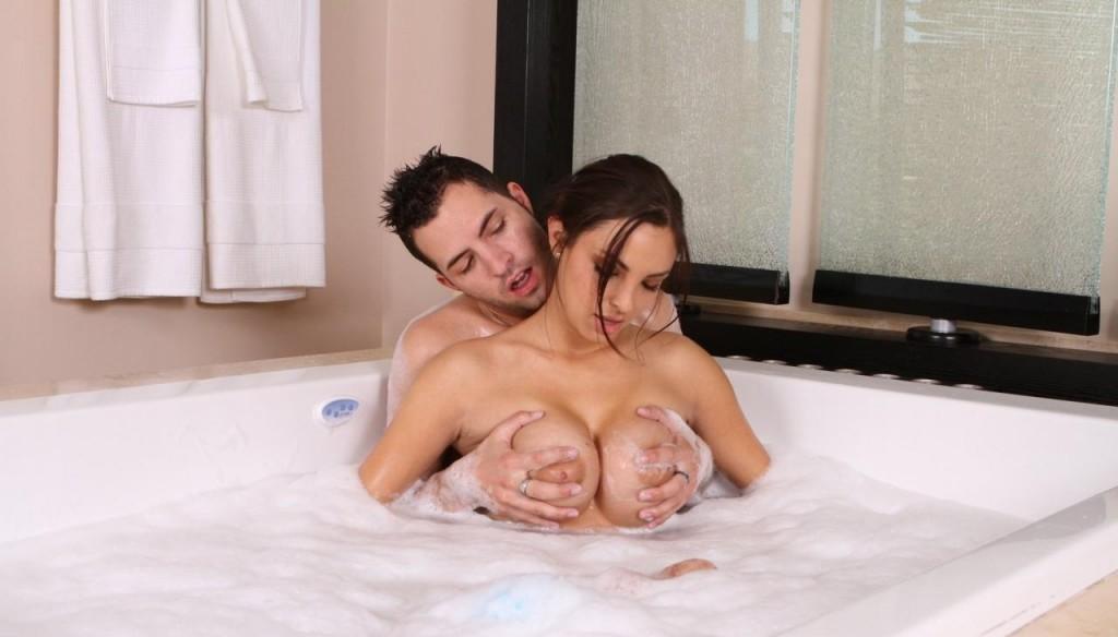 секс фото девушек в ванной